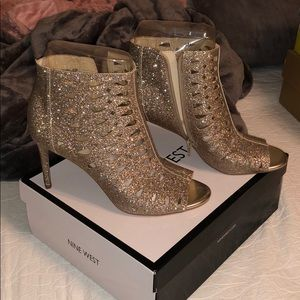 NINE WEST SPARKLY GOLD HEELS | BRAND NEW |SIZE 9.5